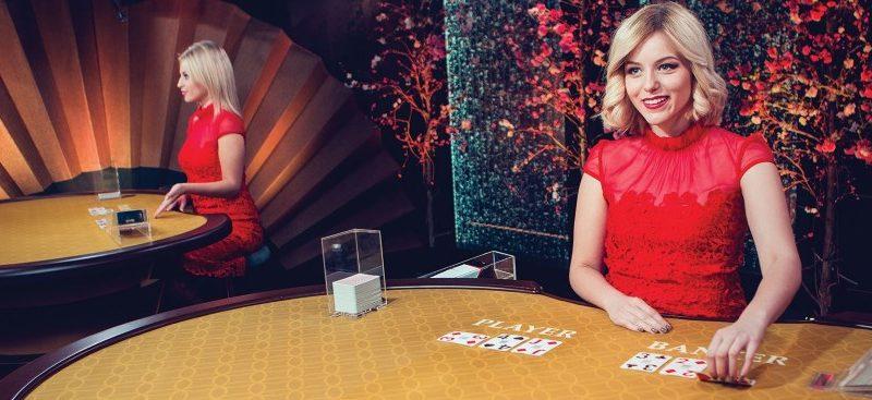 Spela baccarat i online casino